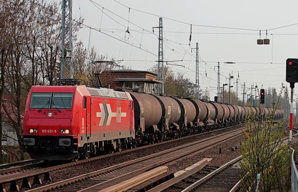 Kesselwagen-Zug auf Leerfahrt nach Schwedt/Oder