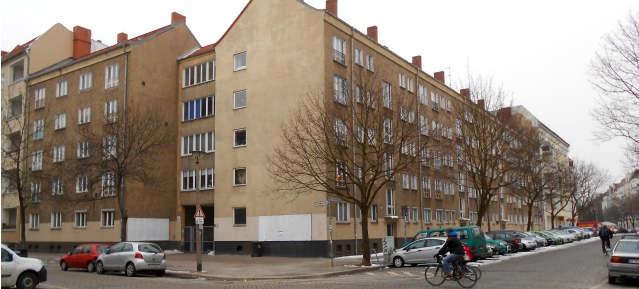 GEWOBAG: Wohnblock Scherenbergstrasse 23 /Erich-Weinert-Str. 32-38
