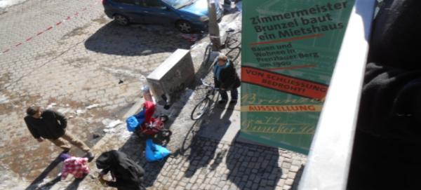 Zimmermeister Brunzel baut ein Mietshaus - Blick aus dem 1. OG vom Balkon