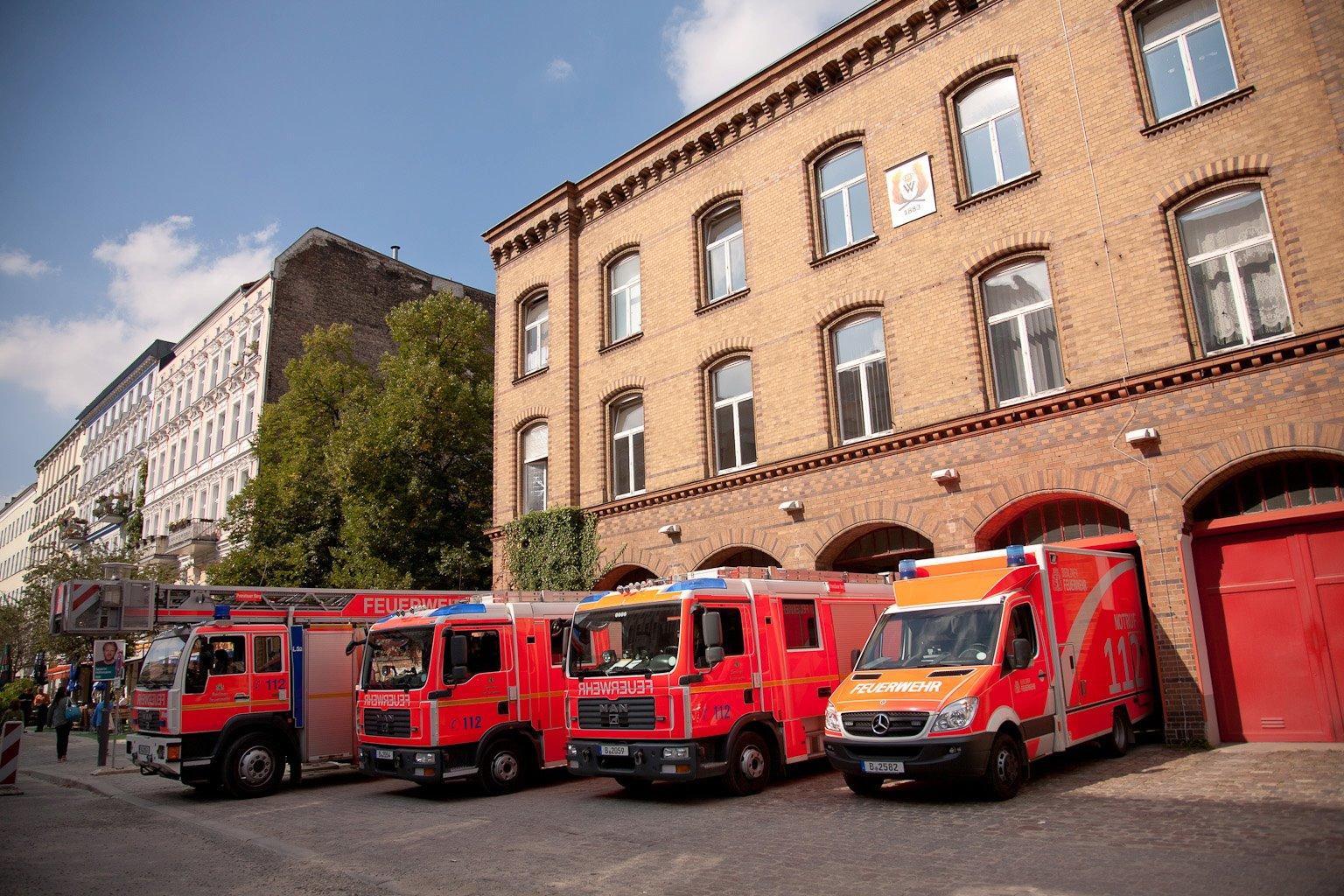 130 Jahre Feuerwehr Prenzlauer Berg : Moderne Einsatz-Fahrzeuge
