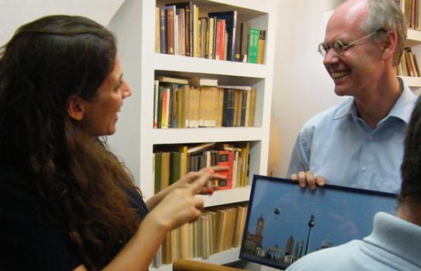 Anat Litvin, Direkorin des Homebase Künstlerprojektes mit Mathias Köhne