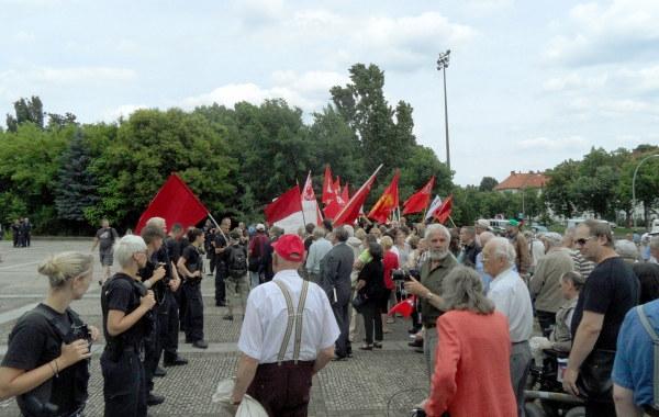 Gegendemonstration am 15-06-2013
