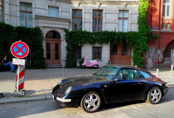 "Prenzlauerberg: Sommerabend  in ""Schwarz-Rosa"""