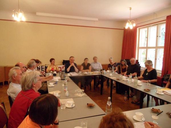 Stadtteiltag im Gemeindesaal der Hoffnungskirchengemeinde am 19.06.2013
