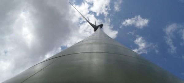 Windkraftanlage im Gewerbepark Pankow Nord