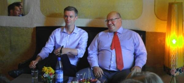 """Lars Zimmermann und Peter Altmaier im """"Wohnzimmer"""" am 13.8.2013"""