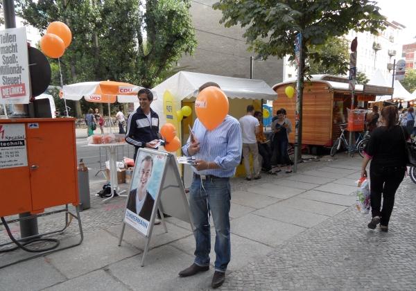 CastingCarree-Festival: Wahlkampfstände von CDU und FDP