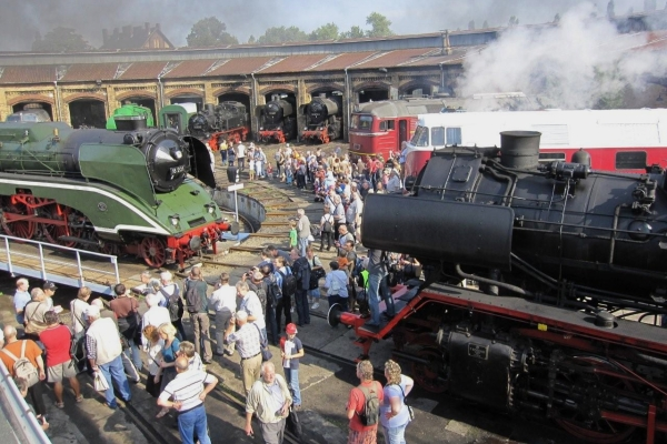 10. Eisenbahnfest 2013 -Drehscheibe und Lokschuppen