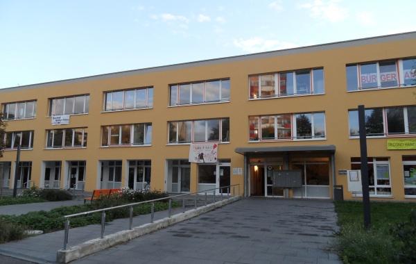 Multifunktionales Bürgerhaus Buch mit Bürgeramt