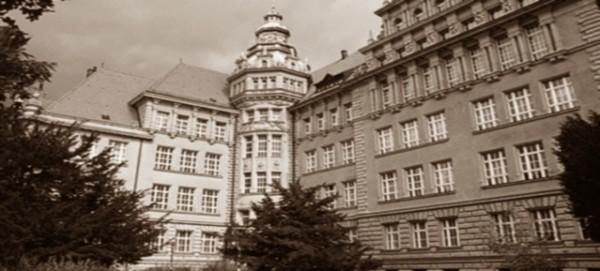 """Erweiterte Oberschule """"Carl-von-Ossietzky"""" in Pankow"""
