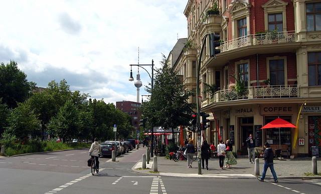 Schönhauser Allee, Foto © 2011 Tomasz Sienicki, CC 3.0 Unported