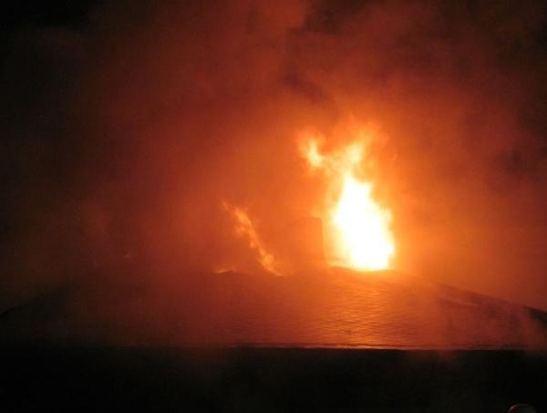 Feuerwehreinsatz in Karow: Brand eines EFH in der Straße 69