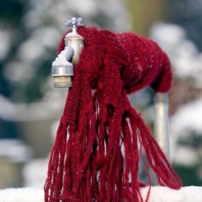 Wasserhahn im Frost