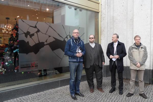 Zerstörte Vielfalt: Pressetermin am 8.11.2013