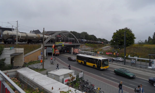 Kesselwagenzug am Bahnhof Pankow