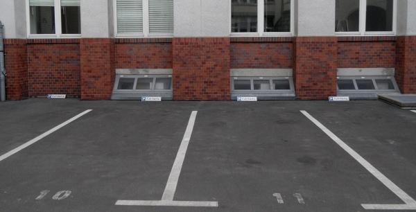 Parkplätze bei Suhrkamp