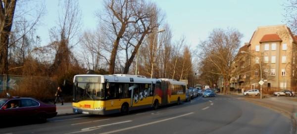 Bus X54 im Stau in der Granitzstrasse