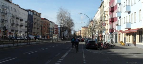 Fahrrad-Streifen in der Danziger Straße