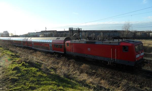 DB-Regionalzug am Nordkreuz
