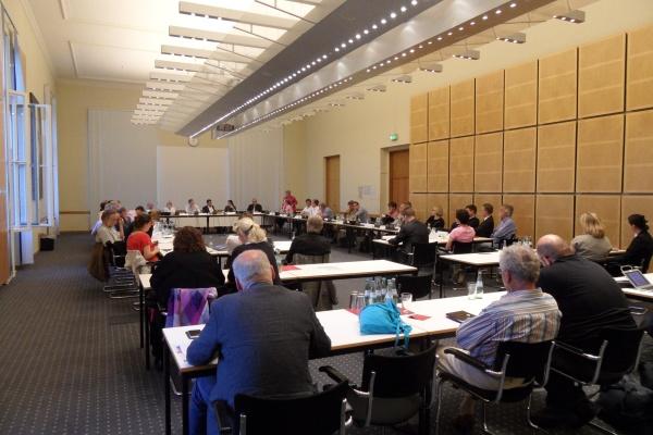 Dialog im Abgeordnetenhaus am 12.6.2014