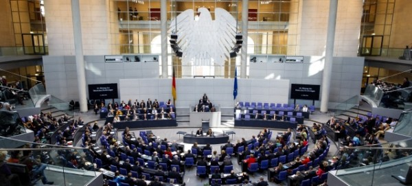Bundestag - Foto: Thomas Trutschel,
