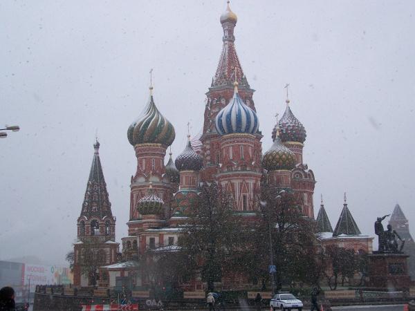 Kreml im Winter - Basilius-Kathedrale in Moskau