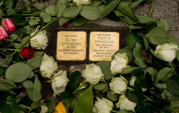 Stolpersteine: Dr. Max Oppenheimer & Therese Oppenheimer