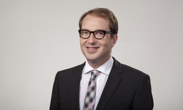 Alexander Dobrindt (CSU) Minister für Verkehr und digitale Infrastruktur - Pressefoto: Henning Schacht