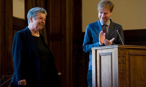 Claudia Reuter erhält das Bundesverdienstkreuz