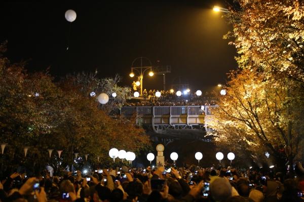 25 Jahre Mauerfall Ballonaufstieg Bösebrücke