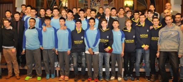 Jugendbasketballer im Rathaus Pankow