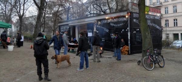 Helmholtzplatz: Platzhaus im Dezember