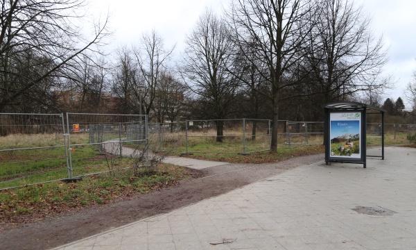 Standort der Container-Untekunft an der Karower Chaussee