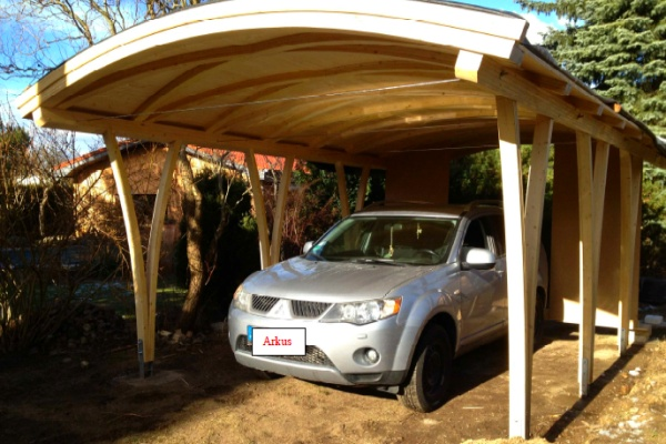 ARKUS AG: Carport mit Bogendach