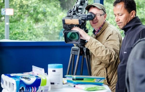 Im Visier der Kamera: Textile-Vliese & Feuchttücher