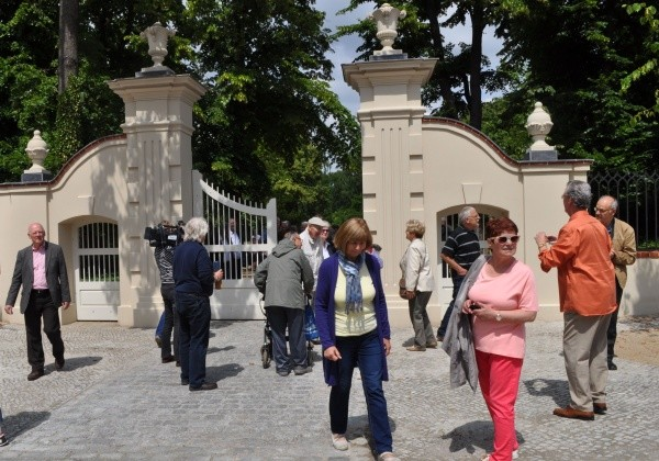 Eröffnung des Schlossparktors in Buch am 25.6.2015
