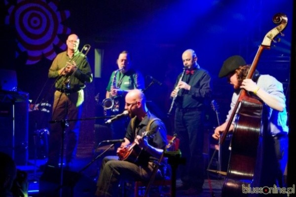 Slidin PK Junkyart Orchestra