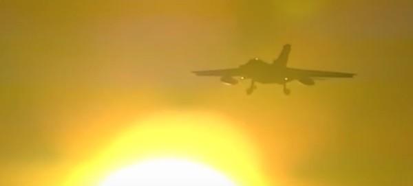 Kampfflugzeug Panavia Tornado im Anflug