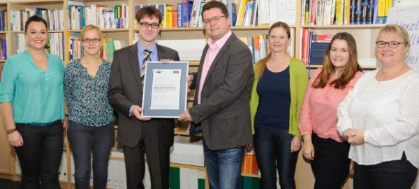 Überreichung des IHK-Qualitätssiegels an die GEBIFO GmbH