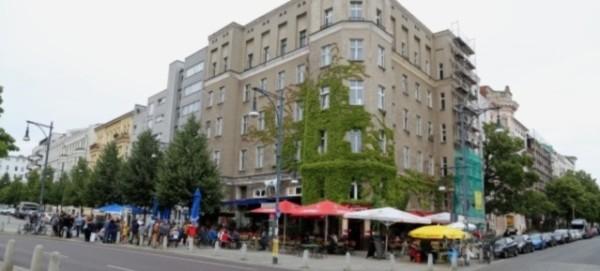 Eckhaus Kollwitzstraße 2