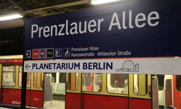 PLANETARIUM BERLIN - Hinweisschild