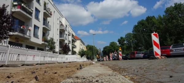 Ossietzkystraße: Gehweg-Baustelle