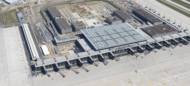 BER aus der Vogelperspektive Foto: Günter Wicker/ Flughafen Berlin-Brandenburg