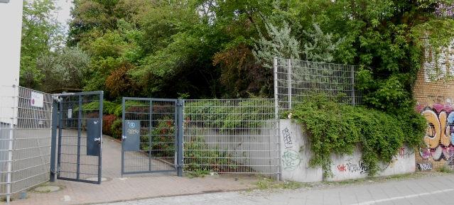 DEGEWO-Zufahrt unmittelbar westllich des Gleimtunnels