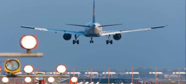 Landung in Tegel TXL Foto: Günter Wicker/Ligatur