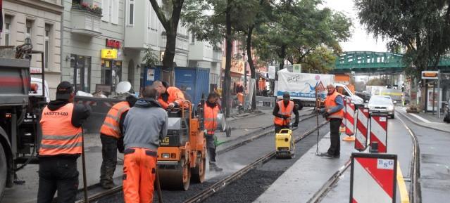 Pappelallee: Ausbesserung der Straßenbahn-Schienen