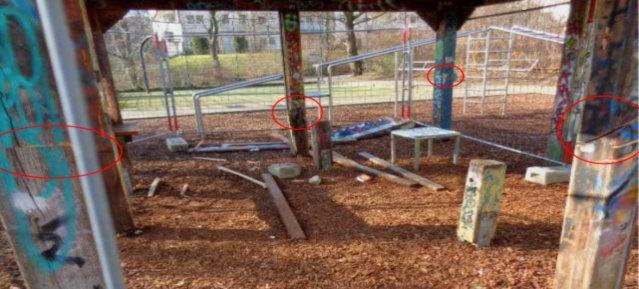 Vandalismus: Sägespuren am Pavillon Kreuzpfuhl