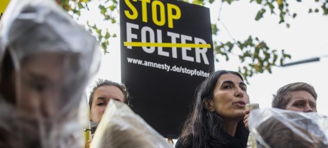 Amnesty International : STOP FOLTER