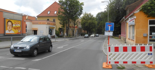 Wiltbergstraße als Einbahnstraße ab Bhf. Buch