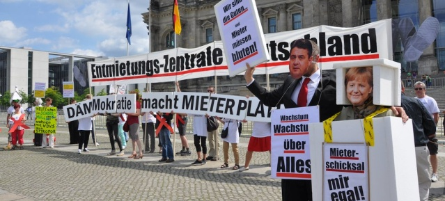Protestaktion vor dem Bundestag am 30.6.2015